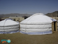 3 Special Yurts/Yourtes Spéciales